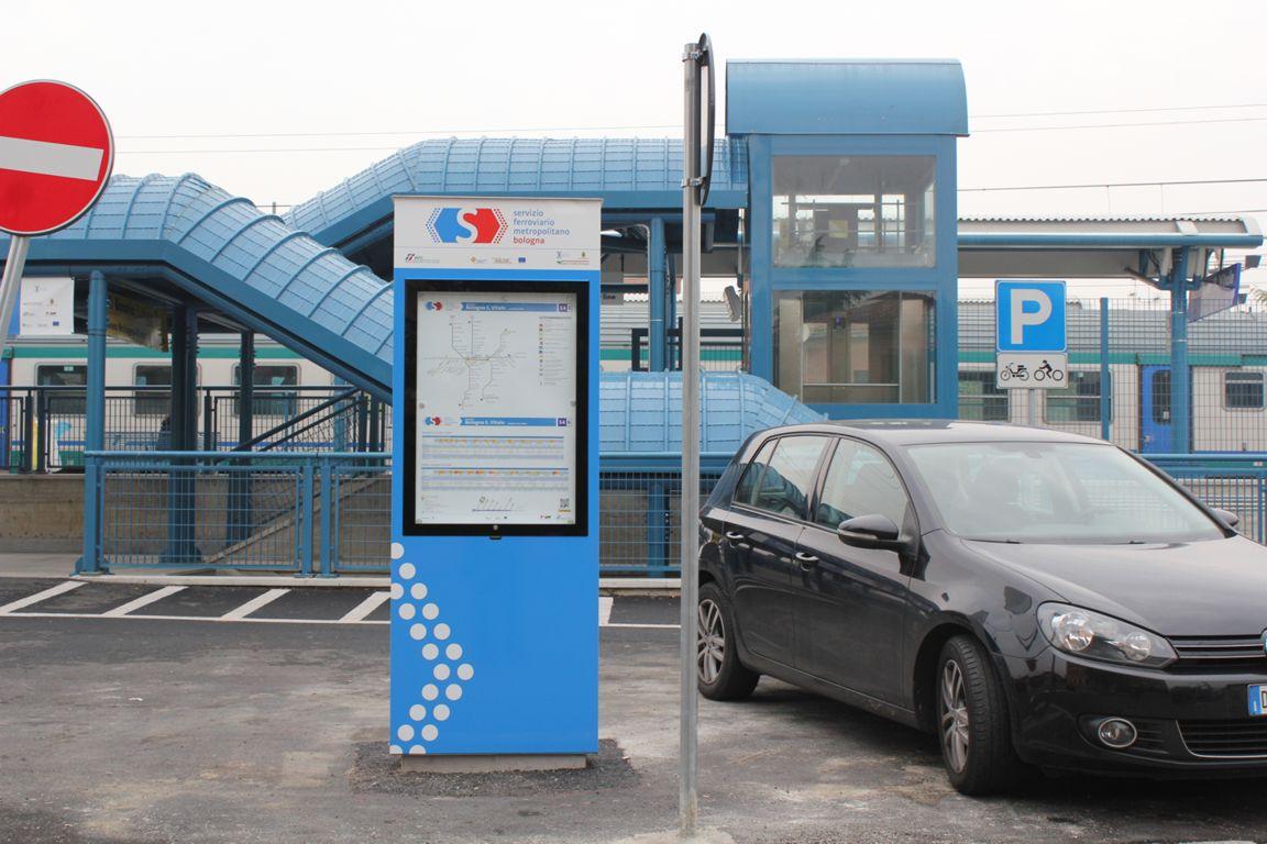 bacheca stazione Bologna S. Vitale
